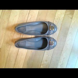 Tory Burch Clines Ballet Gray flats.⭐️